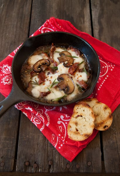 Mushroom sun dried tomatoe and mozzarella bc2 Mushroom, Sun Dried Tomato and Mozzarella Dip