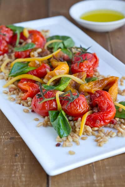 Vegetarian Farro Salad with Roasted Peppers and Spinadh