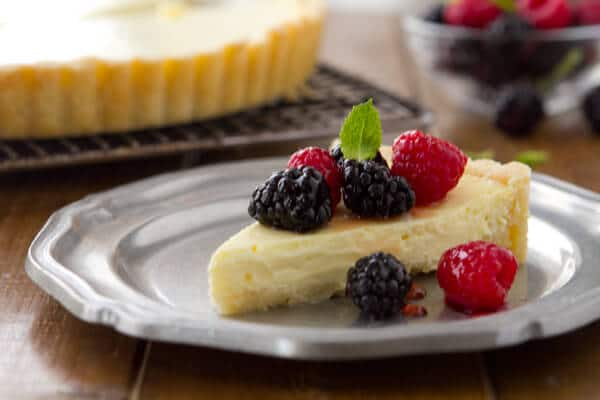 Yogurt Cheese Tart with Fresh Berries BC2 Yogurt Cheese Tart with Fresh Berries