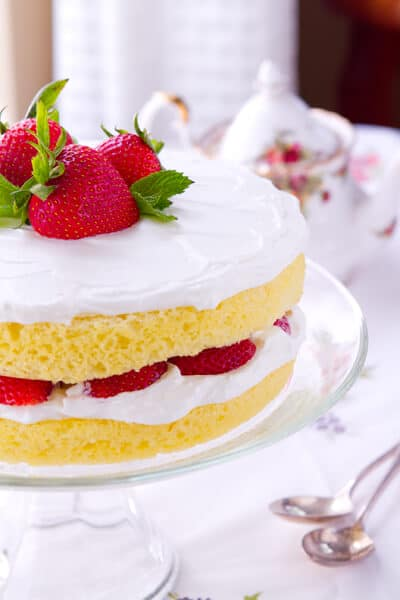 close up of this sponge cake with lemoncello and strawberries