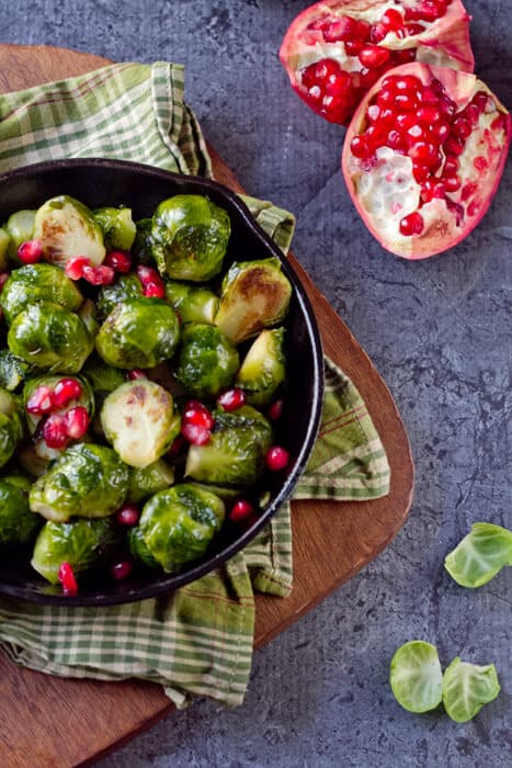 Brussels Sprouts with pomegranate and balsamic vinegar 2 Sauteed Brussels Sprouts with Pomegranate and Balsamic Vinegar