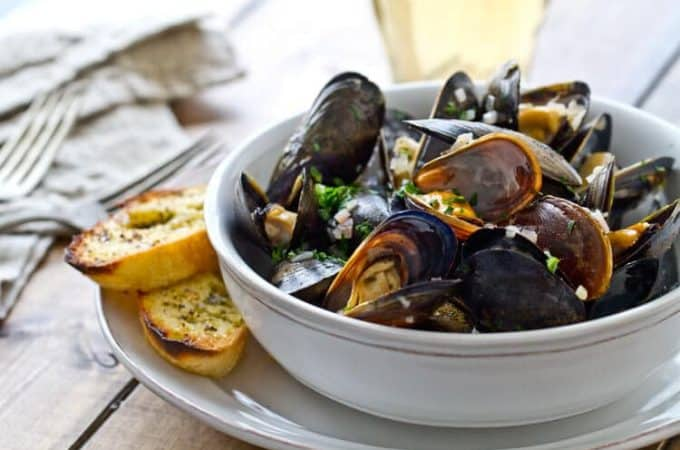 Quick Mussels with Garlic Herb Butter